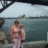 adrienne-poppy-on-40th-birthday-in-sydney